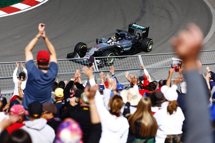 Die kanadischen Fans jubeln Lewis Hamilton
