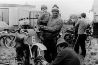 1979 mit Tochter im Fahrerlager Teutschenthal