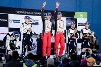 Das Siegerpodium der Rallye Schweden