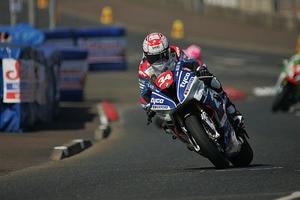 Alastair Seeley gewinnt auch das zweite Superstock-Rennen
