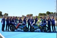 Das Movistar-Yamaha-Team mit Lorenzo und Rossi in Jerez