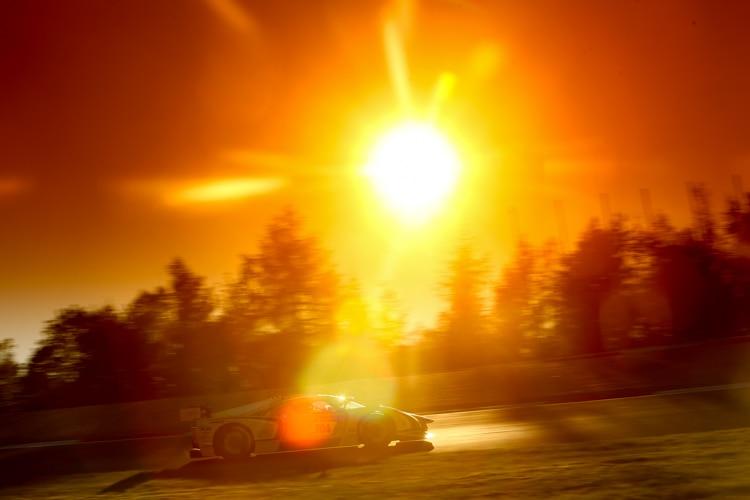 24-Stunden-Rennen am Nürburgring: Audi-Team um Winkelhock siegt