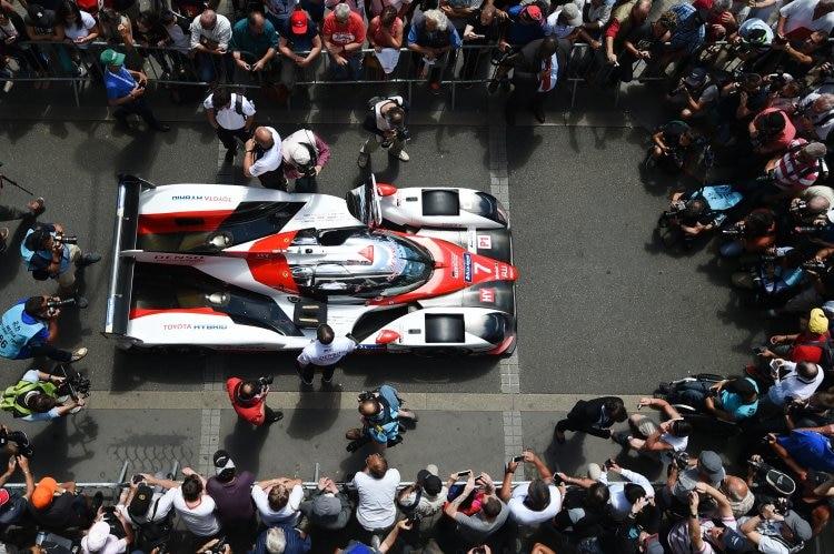 Brite Conway nach zwei Stunden in Le Mans in Führung