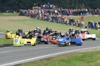 Der Start der Internationalen Sidecar Trophy 2015 in Frohburg