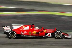 Sebastian Vettel am ersten Testtag in Barcelona