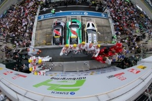 Jubel auf Podium beim 24h-Rennen am Nürburgring