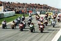 Start zum ersten Pro-Superbike-Rennen auf dem Sachsenring 1996