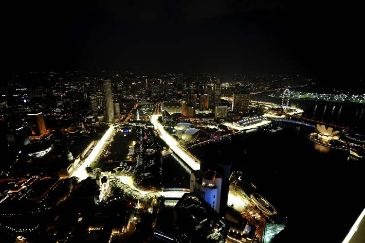 Formel 1 in Singapur: Vettel nach Massen-Crash am Boden zerstört