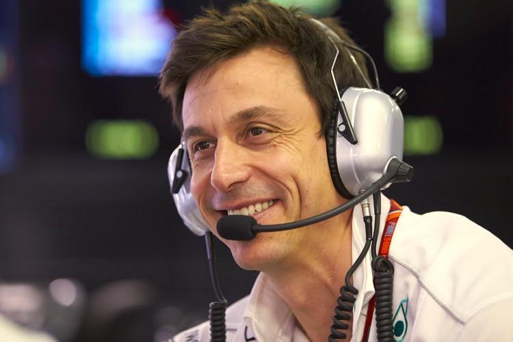 Formel 1: Mercedes gibt im Monza-Training den Ton an