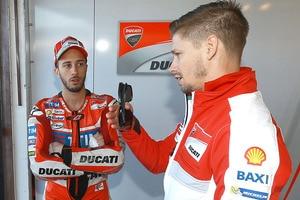Ducati-Werksfahrer Andrea Dovizioso und Casey Stoner