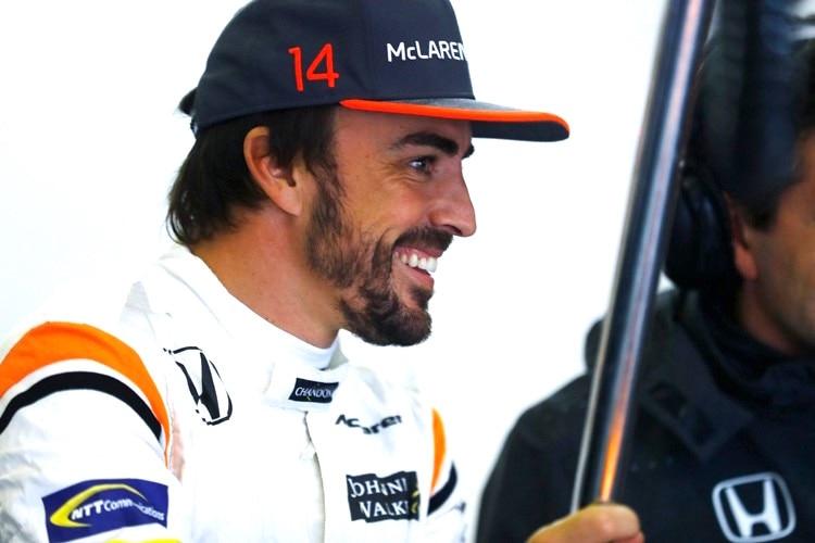 Fix! Fernando Alonso fährt weiter für McLaren