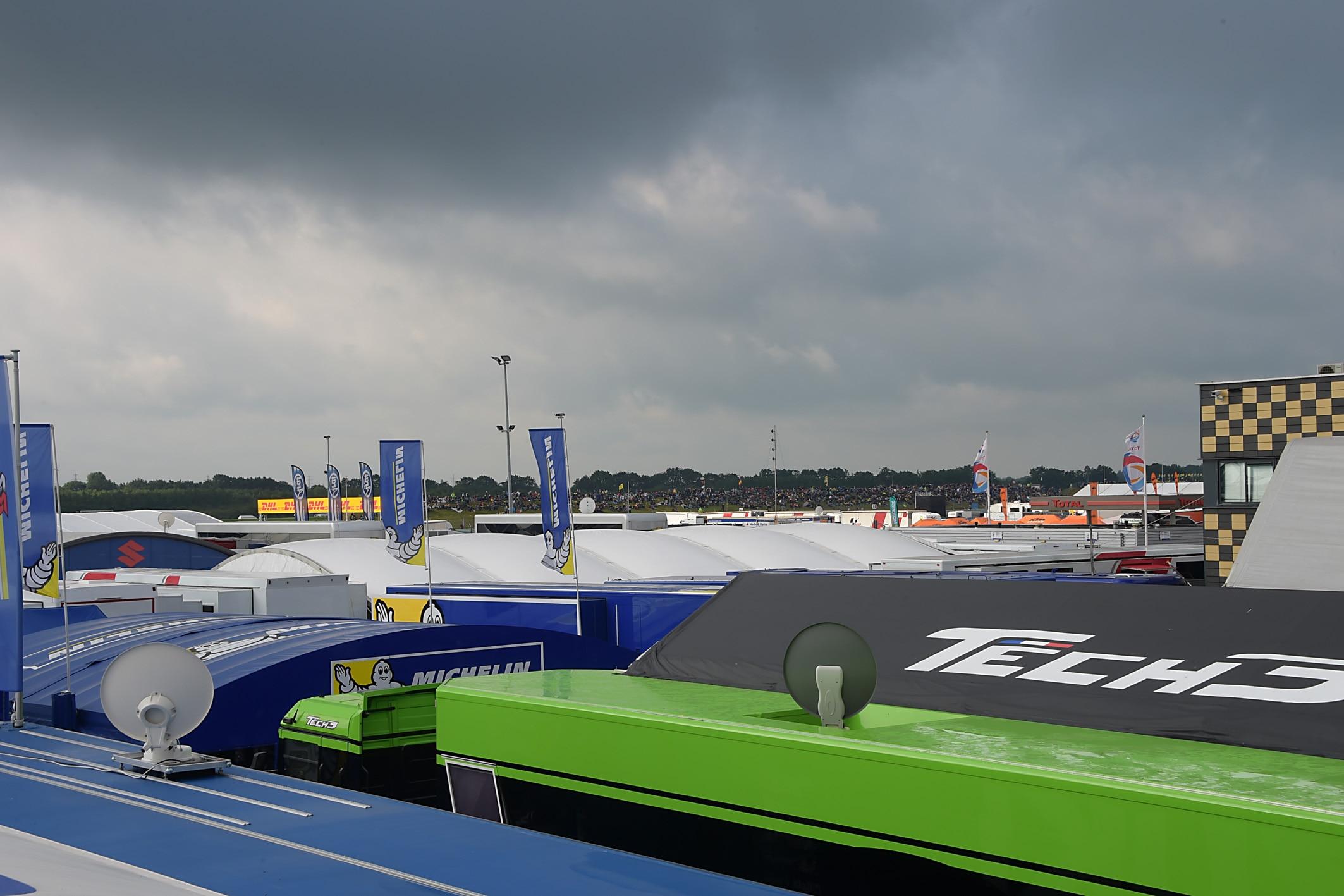 Rossi siegt im Regen-Krimi von Assen - Folger stürzt