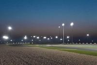 Unter Flutlicht treten die Klassen Moto3, Moto2 und MotoGP zu ihrem jeweils ersten Saisonrennen an