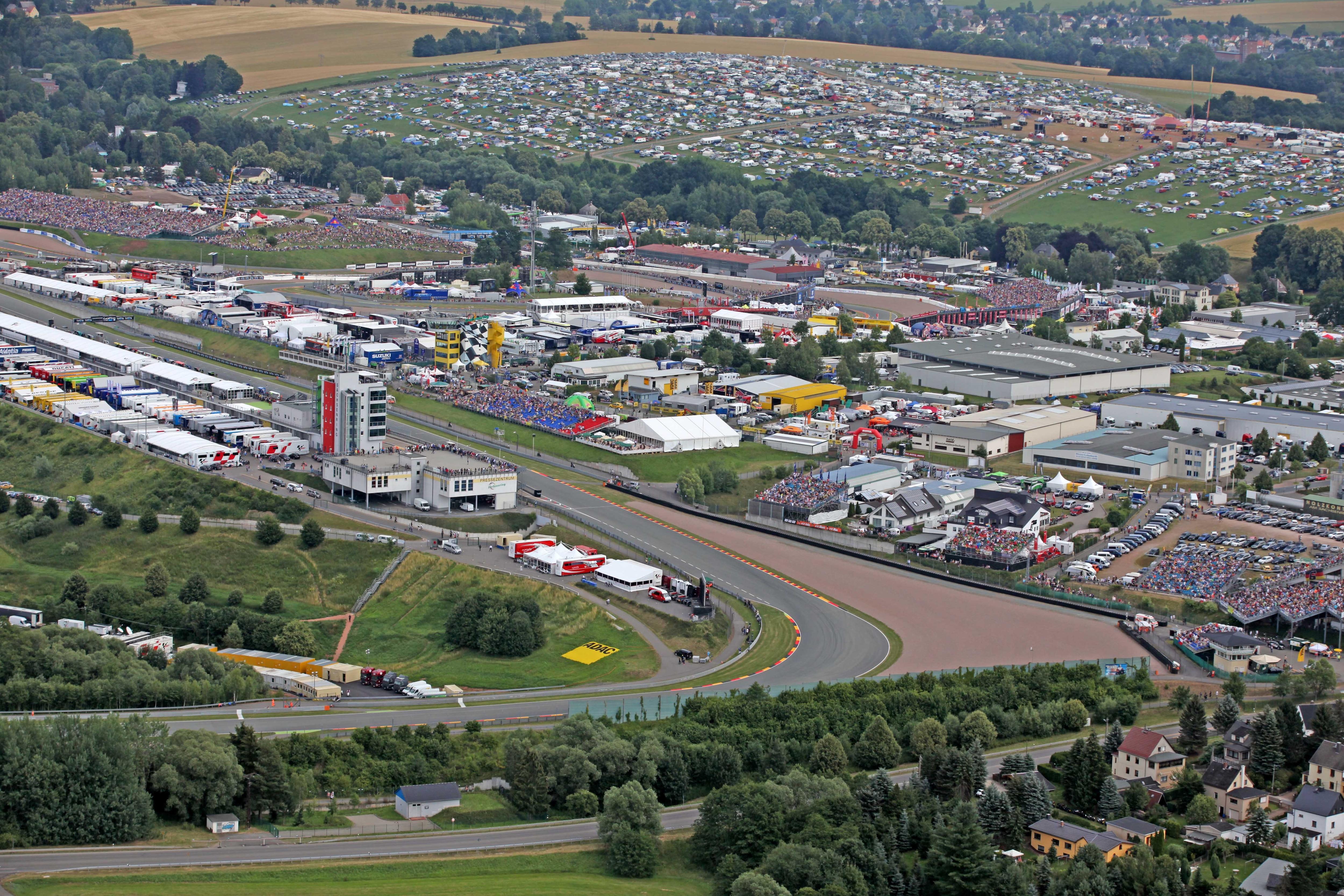 Circuito Sachsenring : La motogp fa tappa al sachsenring info orari e record del gran