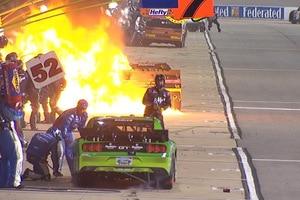 Beim Boxenstopp von Brendan Gaughan auf dem Richmond International Speedway brach ein Feuer aus