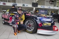 Casey Stoner mit seinem 630 PS starken V8-Holden