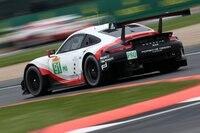 Durch den nach vorne gerutschten Motor hat der Porsche 911 RSR auch mehr Platz für den Diffusor