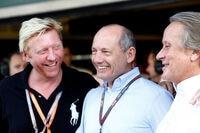 Da hatten sich alle noch lieb: Ron Dennis (Mitte) mit Mansour Ojjeh (rechts) und Boris Becker