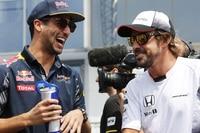 Daniel Ricciardo und Fernando Alonso