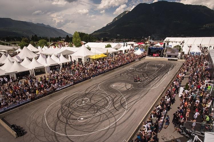 Das Grosste Bmw Motorrad Treffen Der Welt In Garmisch Produkte Speedweek