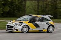Weltpremiere in Portugal – der von Holzer Motorsport entwickelte Corsa