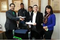 Teamchef Jorge Martinez bei der Unterzeichnung des Abkommens mit Drive M7
