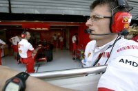 Ferrari-Renningenieur Chris Dyer: Ob die Welt mithört?
