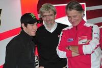Cal Crutchlow, Gigi Dall'Igna und Ducati-Sportdirektor Paolo Ciabatti