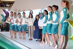 Vor kurzem hat Petronas die Grid-Girl-Kleider 2016 präsentiert