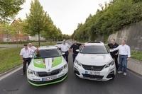 Die neuen Sicherheitsfahrzeuge von Skoda und Peugeot