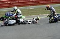 Silverstone: Randy Krummenacher geht unverschuldet zu Boden