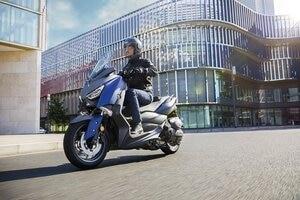 Yamaha X-MAX 400: Wendig in der Stadt, schnell genug für die Autobahn und längere Strecken