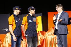 Sam Sunderland und Matthias Walkner mit KTM-Chef Stefan Pierer
