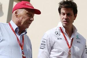 Niki Lauda mit Mercedes-Motorsportchef Toto Wolff