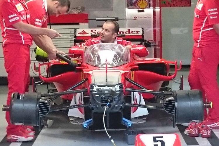 Formel 1: Neuer Cockpitschutz für Testpilot Vettel