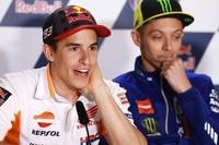 Valentino Rossi und Marc Márquez trauen Fernando Alonso im Indy 500 viel zu