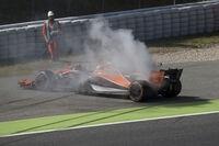 Das kennen wir 2017 zur Genüge: Motorschaden bei Fernando Alonso