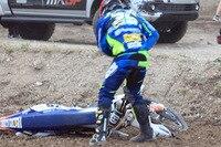 Henry jacobi stürzte auf der Startgeraden