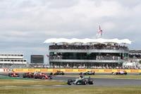 Lewis Hamilton setzte sich zum vierten Mal in Folge in Silverstone durch