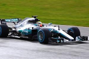 Lewis Hamilton beim ersten Test in Silverstone