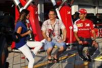 Jacques Villeneuve (Mitte) heute als GP-Experte der italienischen Sky