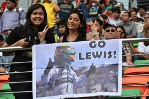 Zwei Hamilton-Fans am Buddh International Circuit