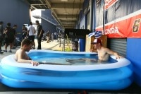 Bradl und Hayden in Thailand: Nur bei den ersten Rennen baden gegangen?