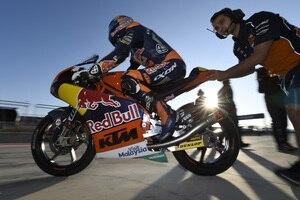 Weltmeister Brad Binder soll nun noch den Konstrukteurstitel für KTM sichern