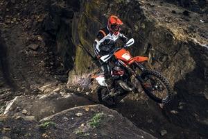 Die KTM 300 EXC TPI in Action