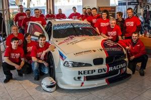 Das Eastside Nascar Racing Team und die Nascar hilft.de-Helfer