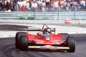 Das wollen die Fans: Fette Hinterreifen, fette Drifts – wie hier von Gilles Villeneuve im Ferrari