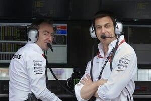 Mercedes-Technikchef Paddy Lowe mit Teamchef Toto Wolff