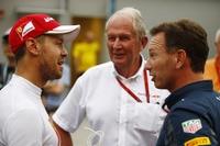 Sebastian Vettel, Dr. Helmut Marko und Christian Horner (v.l.n.r.)