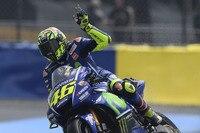 Die Movistar-Mannschaft von Rossi schlug die Helmpflicht für TV-Reporter und Kameraleute vor